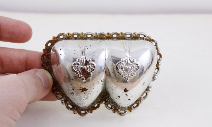 Caja de anillo de doble corazón art déco vintage