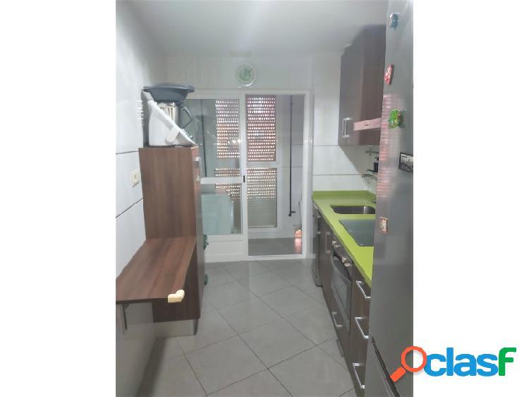 Inmobiliaria Suárez le presenta bonito piso de RENTA LIBRE zona Emilio Lemos 3