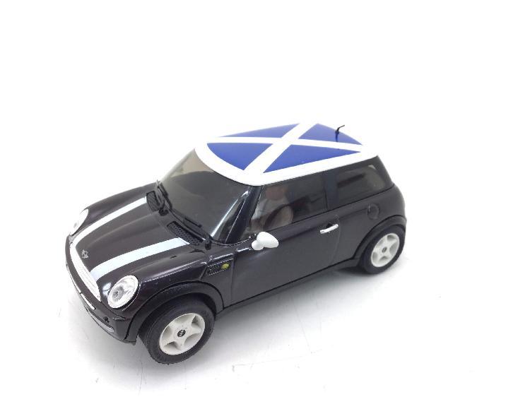 Coche slot ninco minicooper escocia