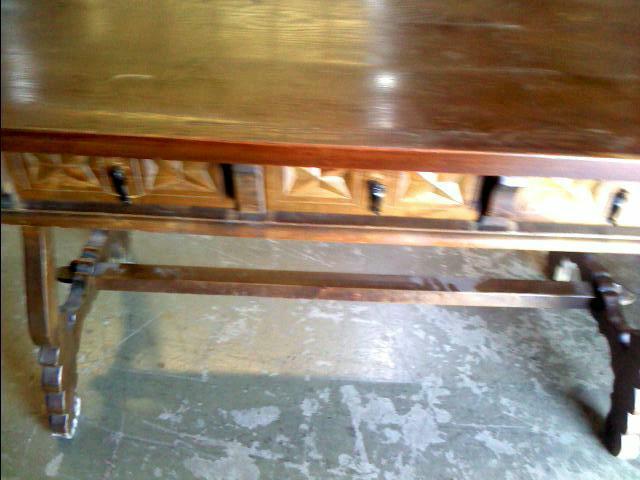 Compre la oportunidad de mesa con cajones madera
