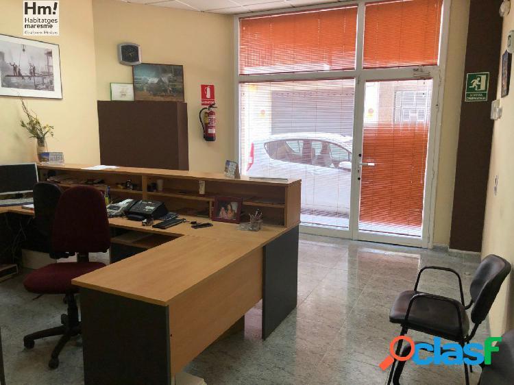 LOCAL COMERCIAL EN EL CENTRO DE LA POBLACION, EQUIPADO COMO OFICINA. 1