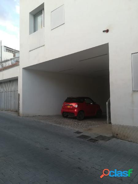 Venta de garajes en pleno centro, precio negociable