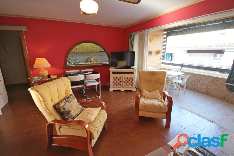 Comodo piso 2 dormitorios a pasos de la playa de carihuela