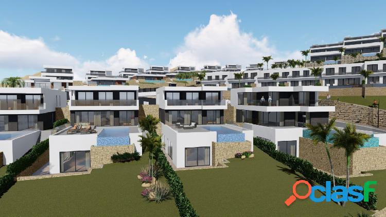 Villa independiente con parcela de 793m² y vistas al skyline de benidorm, finestrat