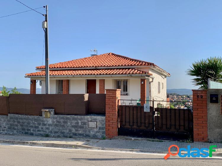 Casa 4 vientos semi-reformada y con panorámicas vistas! garaje y trasteros.