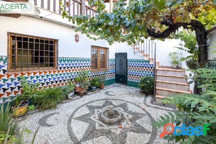 CASA CON MÁS DE 300 m² CONSTRUIDOS EN EL ALBAYCÍN Y DOS DORMITORIOS EN PLANTA BAJA. 1