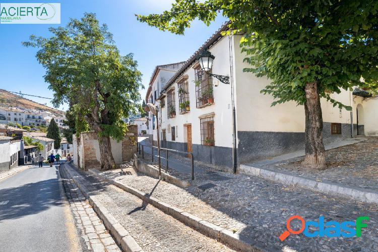 CASA CON MÁS DE 300 m² CONSTRUIDOS EN EL ALBAYCÍN Y DOS DORMITORIOS EN PLANTA BAJA. 2