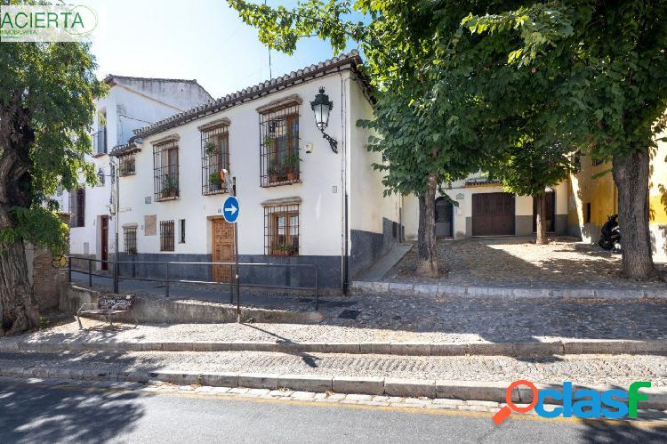 CASA CON MÁS DE 300 m² CONSTRUIDOS EN EL ALBAYCÍN Y DOS DORMITORIOS EN PLANTA BAJA. 3