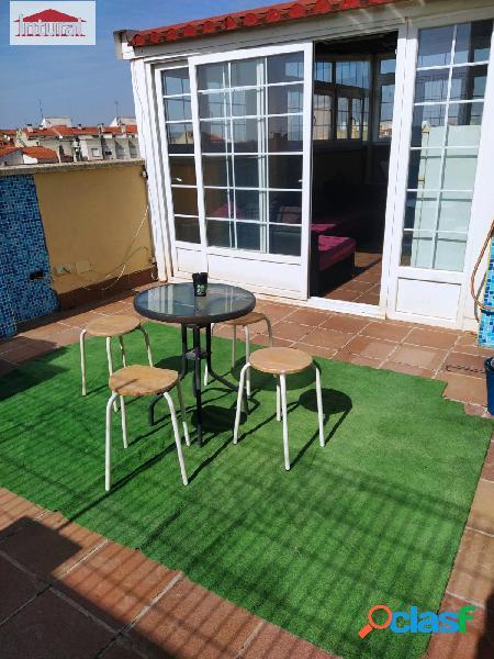 En venta ático dúplex con terraza de 20 metros y solarium de 60 metros en zona feria / pilar