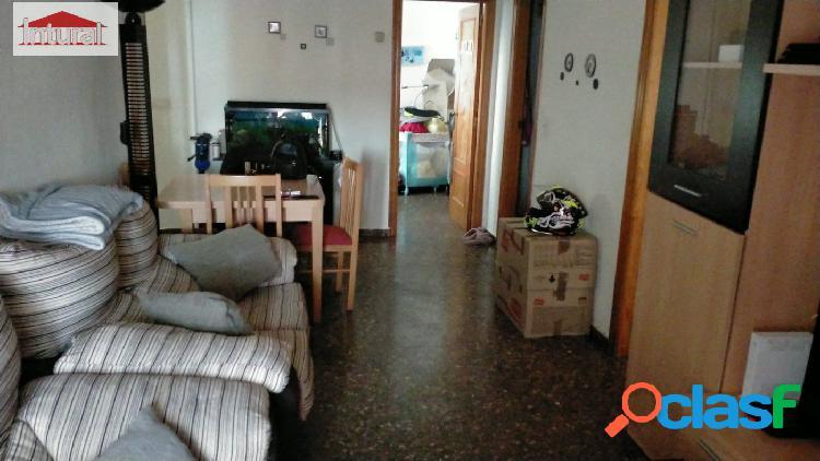 Se vende piso en la zona Centro Carretas 2 dormitorios