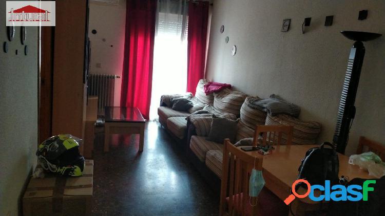 Se vende piso en la zona Centro Carretas 2 dormitorios 1