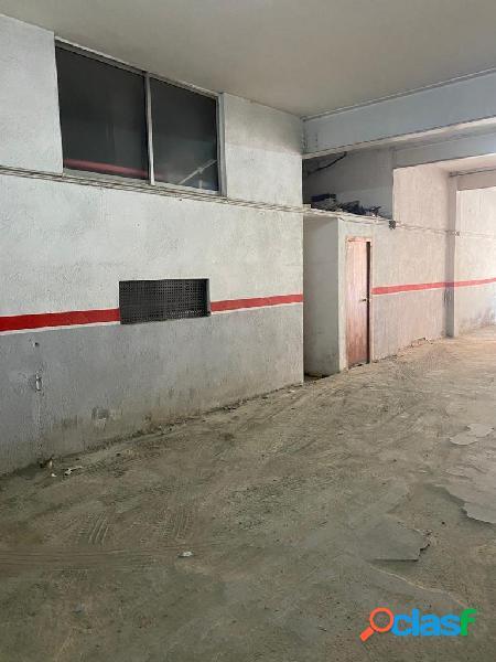 LOCAL COMERCIAL de 195 m2 EN RIPOLLET 2