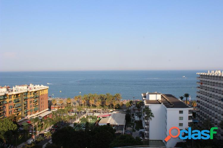 Venta de Gran Piso de 3 dormitorios con vistas al Mar en Torremolinos.