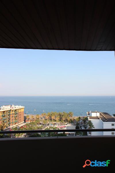 Venta de Gran Piso de 3 dormitorios con vistas al Mar en Torremolinos. 3