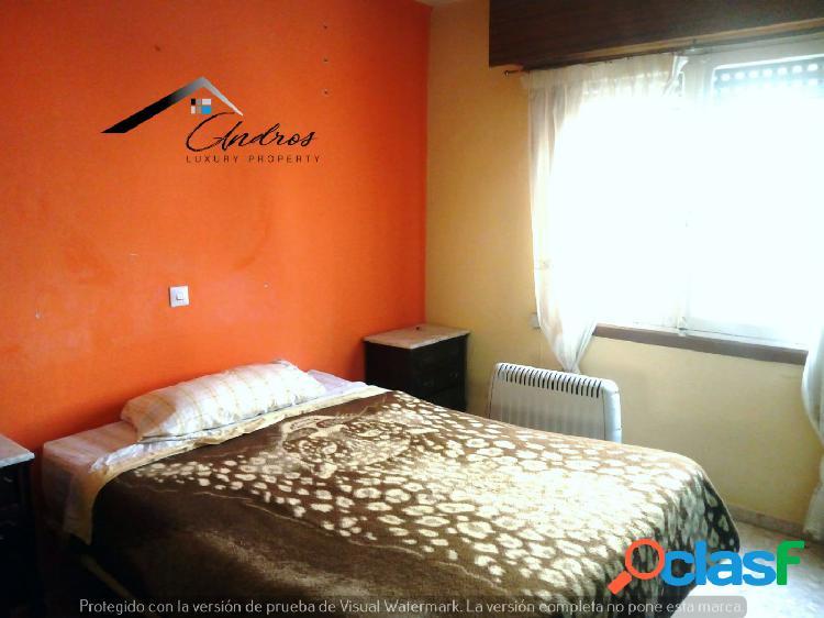 Se vende piso de tres habitaciones PARA REFORMAR, en centro de Estepona. 3