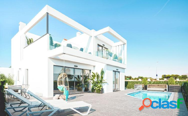 Nueva villa de lujo construida en roda golf en la costa cálida