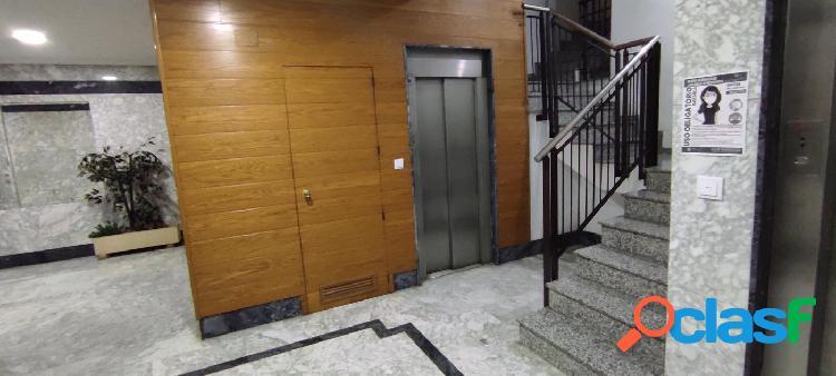 piso semi nuevo,zona plaza madrid 2