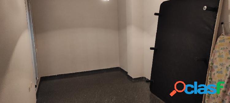 piso semi nuevo,zona plaza madrid 3