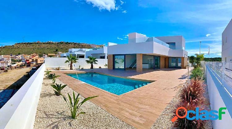 Villa moderna en benijofar
