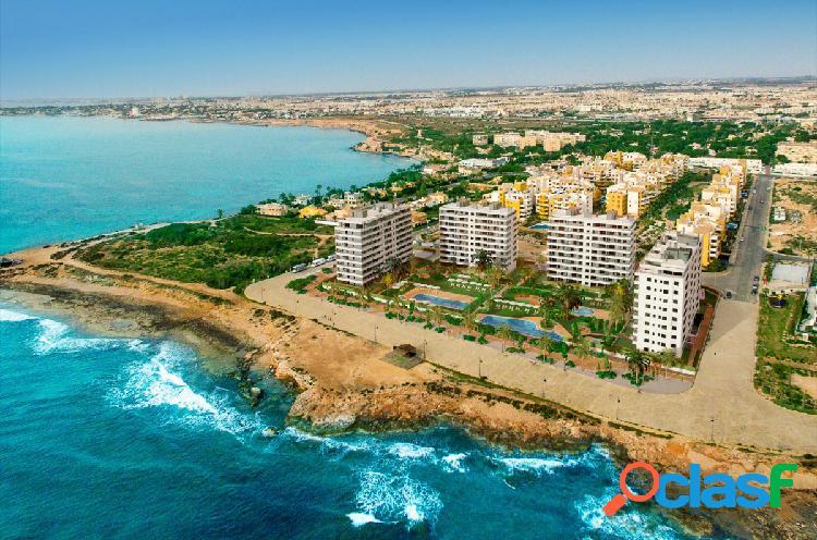 Apartamentos en primera línea del mar en Punta Prima, Torrevieja 1