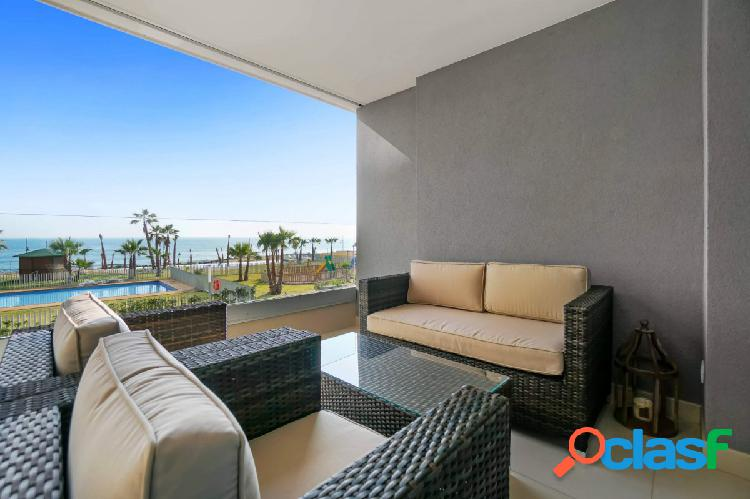 Apartamentos en primera línea del mar en Punta Prima, Torrevieja 3