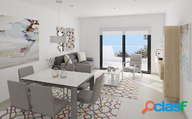 Apartamento de nueva construcción con jardín junto al mar en arenales del sol