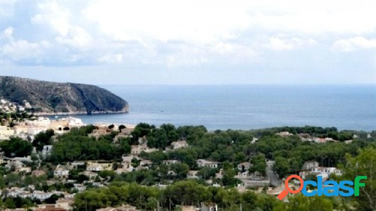 Parcela con vistas al mar en moraira