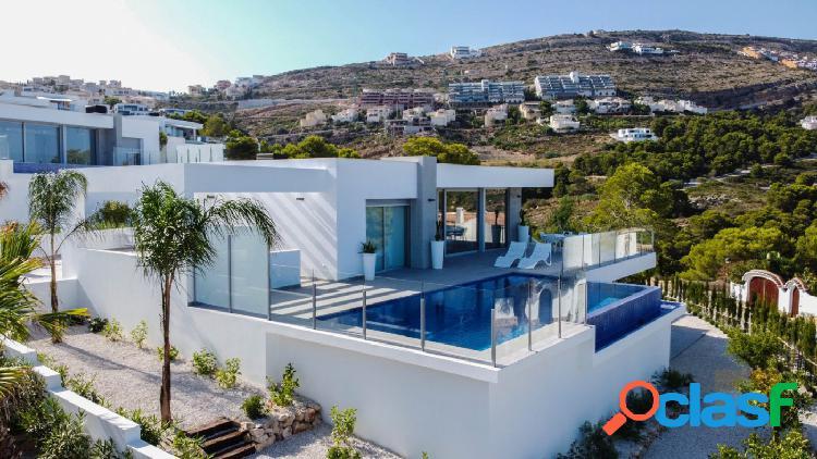 Increíble villa nueva y moderna con fantásticas vistas al mar en Benitachell