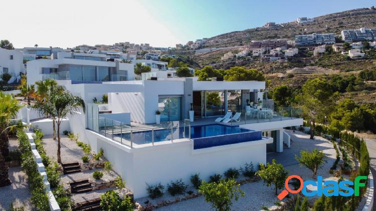 Increíble villa nueva y moderna con fantásticas vistas al mar en Benitachell 1