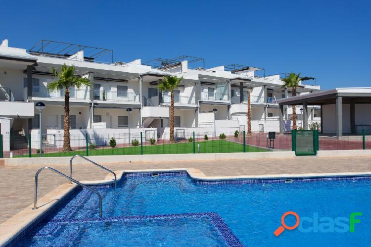 Hermosos apartamentos de 2 dormitorios y 2 baños en playa flamenca