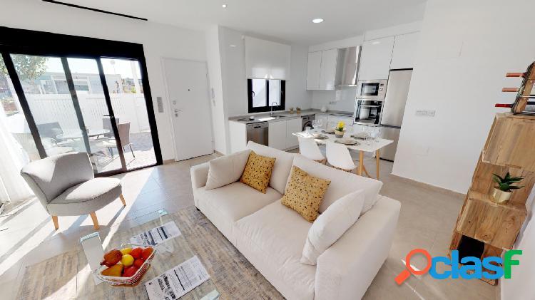 Apartamento de 2 habitaciones con solarium privado en San Pedro del Pinatar 2