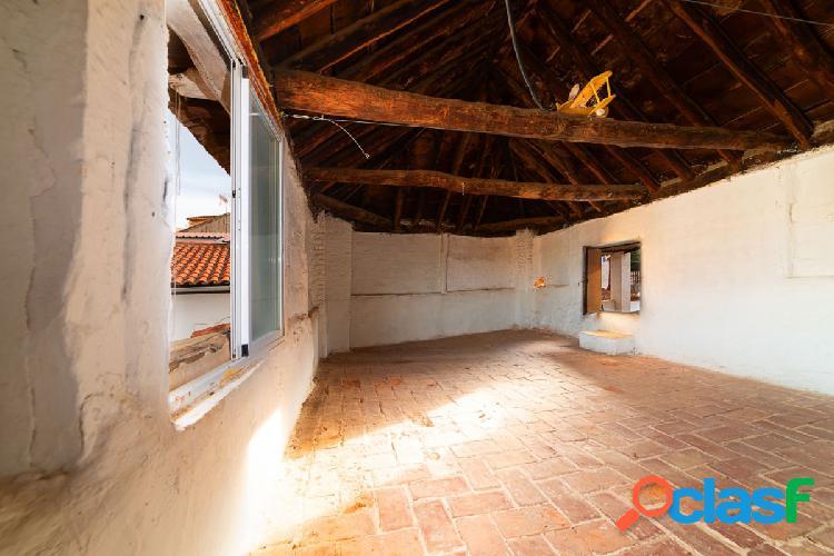 Casa con fantastica ubicacion y grandes posibilidades en guadix