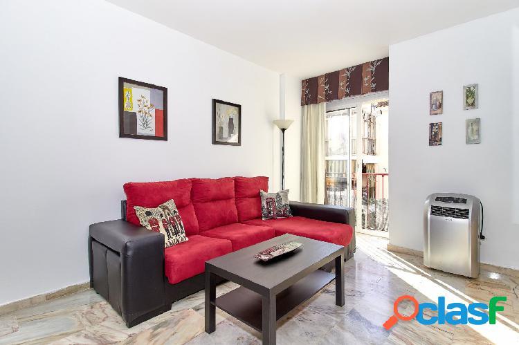 Piso muy céntrico de 2 dormitorios con parking propio en Fuengirola a 5 minutos de la Playa 3