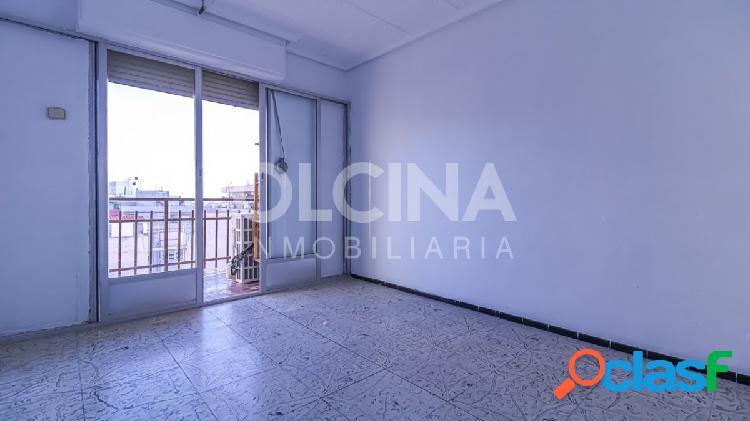 ¡Piso amplio, luminoso con balcón y ascensor en avenida principal de Elche sólo 79.950€! 1