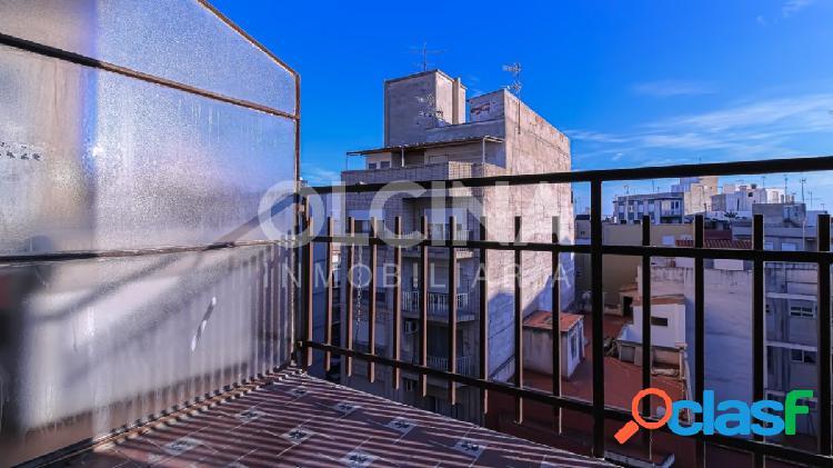¡Piso amplio, luminoso con balcón y ascensor en avenida principal de Elche sólo 79.950€! 2