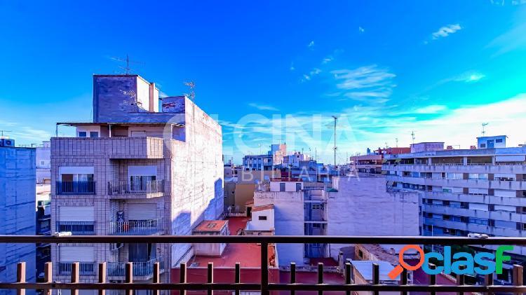 ¡Piso amplio, luminoso con balcón y ascensor en avenida principal de Elche sólo 79.950€! 3