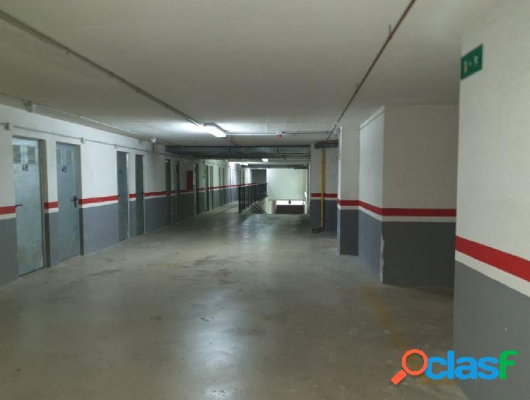 Se vende plaza de Garaje en Calle Escritor Jose Monleon Bennacer Nº 4 1