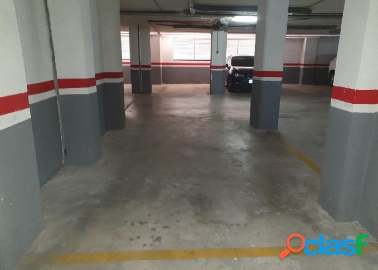 Se vende plaza de Garaje en Calle Escritor Jose Monleon Bennacer Nº 4 2
