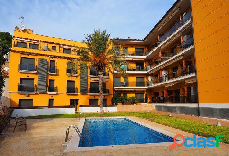 Apartamento en el centro estartit con dos habitaciones en venta