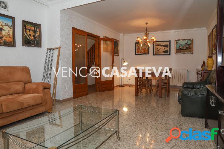 Casa en venta a 5 minutos del centro del pueblo de Torroella de Montgrí 1