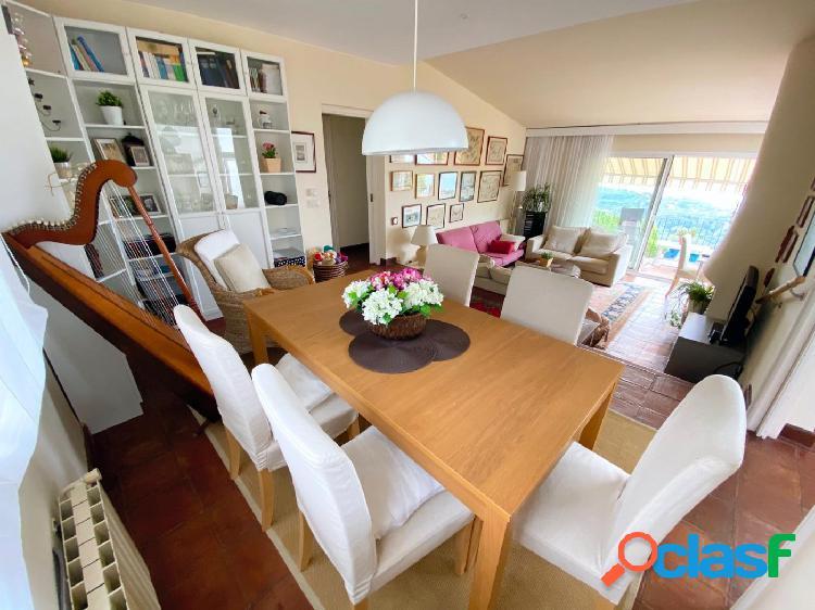 Casa con hutg y apartamento independiente.