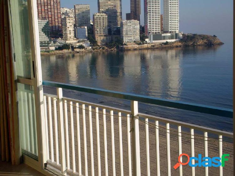 Piso reformado en primera linea playa levante www.inmobiliarialesdunes.com