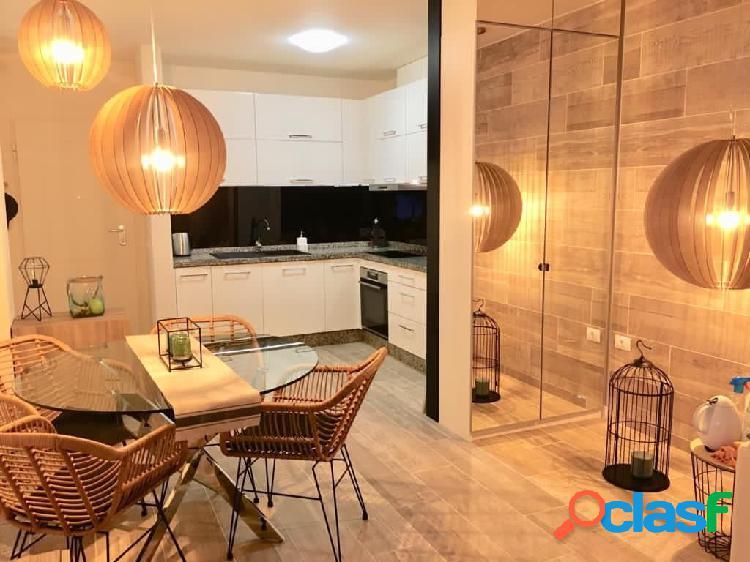 A la venta estupendo apartamento total reformado en Chayofa. 1