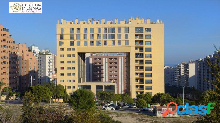 Increíble piso de 3 dormitorios ubicado en preciosa urbanización cerca de la playa.