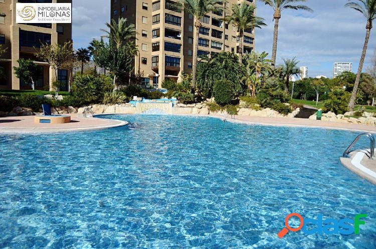 Piso de 150 m2 de 3 dormitorios con vistas al mar a 400m Playa Poniente 2
