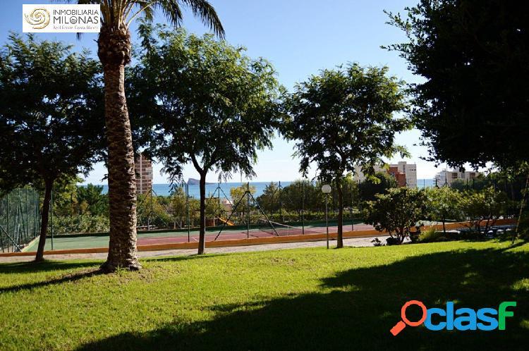 Piso de 150 m2 de 3 dormitorios con vistas al mar a 400m Playa Poniente 3