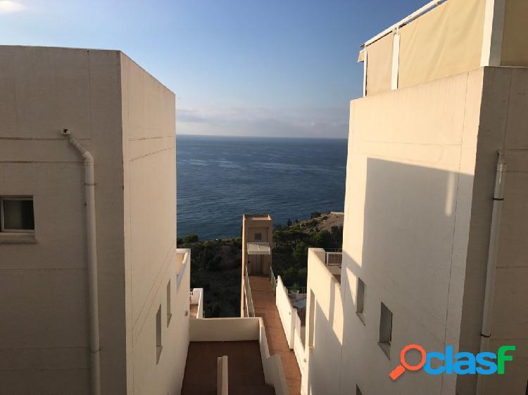 Precioso apartamento de 2 dormitorios y amplia terraza con vistas al mar. 1