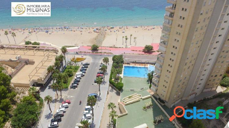 PRIMERA LÍNEA PLAYA PONIENTE - Apartamento de diseño con unas vistas espectaculares al mar 1