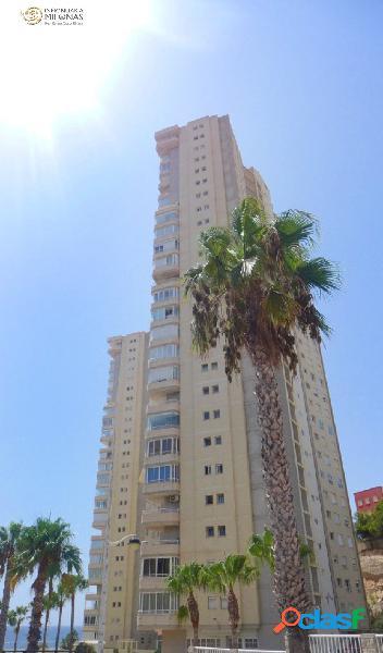 PRIMERA LÍNEA PLAYA PONIENTE - Apartamento de diseño con unas vistas espectaculares al mar 2