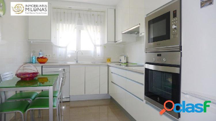 PRIMERA LÍNEA PLAYA PONIENTE - Apartamento de diseño con unas vistas espectaculares al mar 3